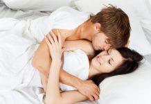 ungt par i seng