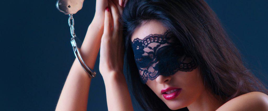 sex med bind for øjne